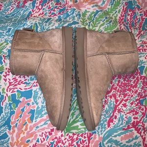 Ugg short Boots size 8